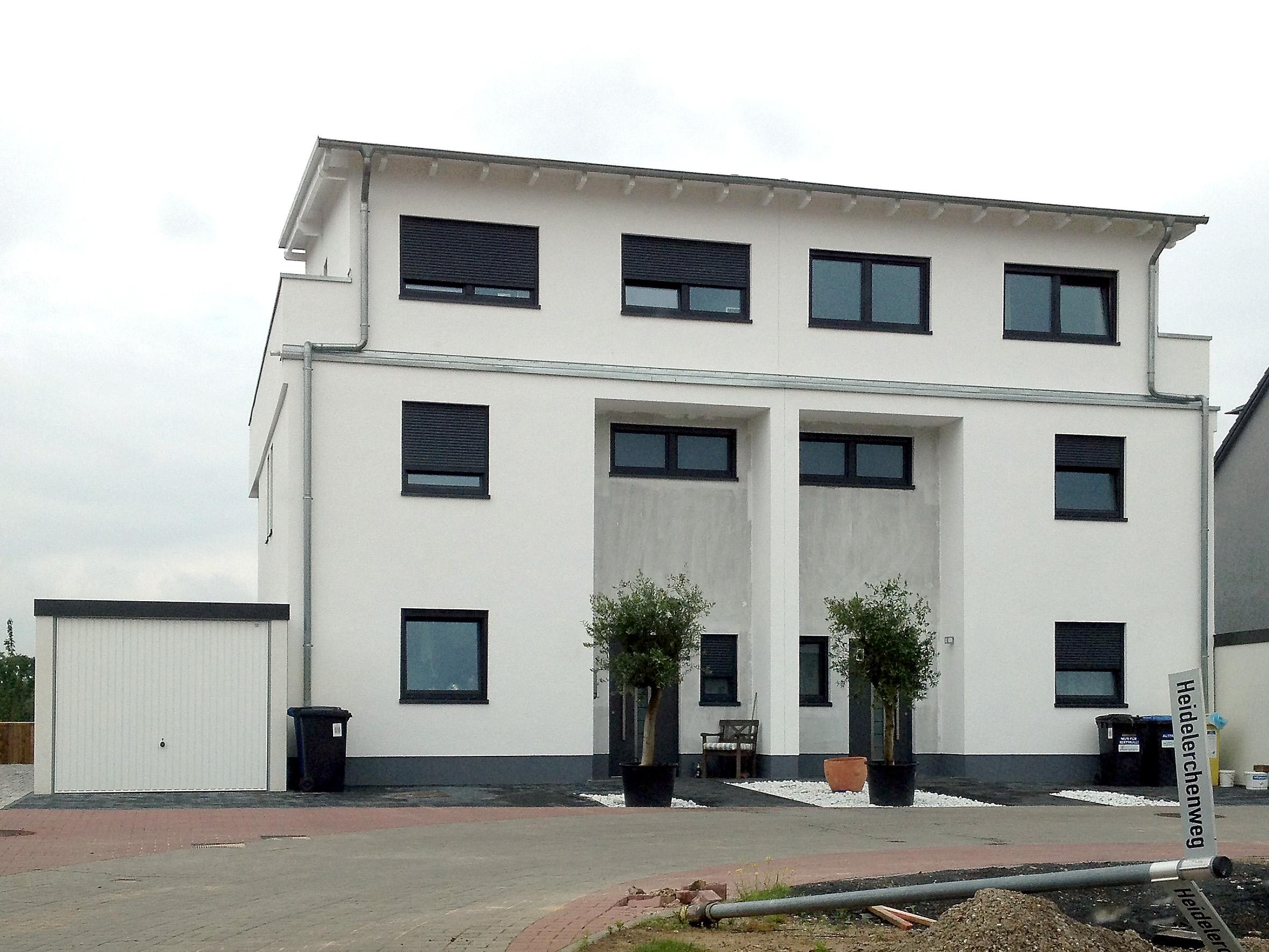Gro z giges doppelhaus im argonnerpark for Doppelhaus moderne architektur