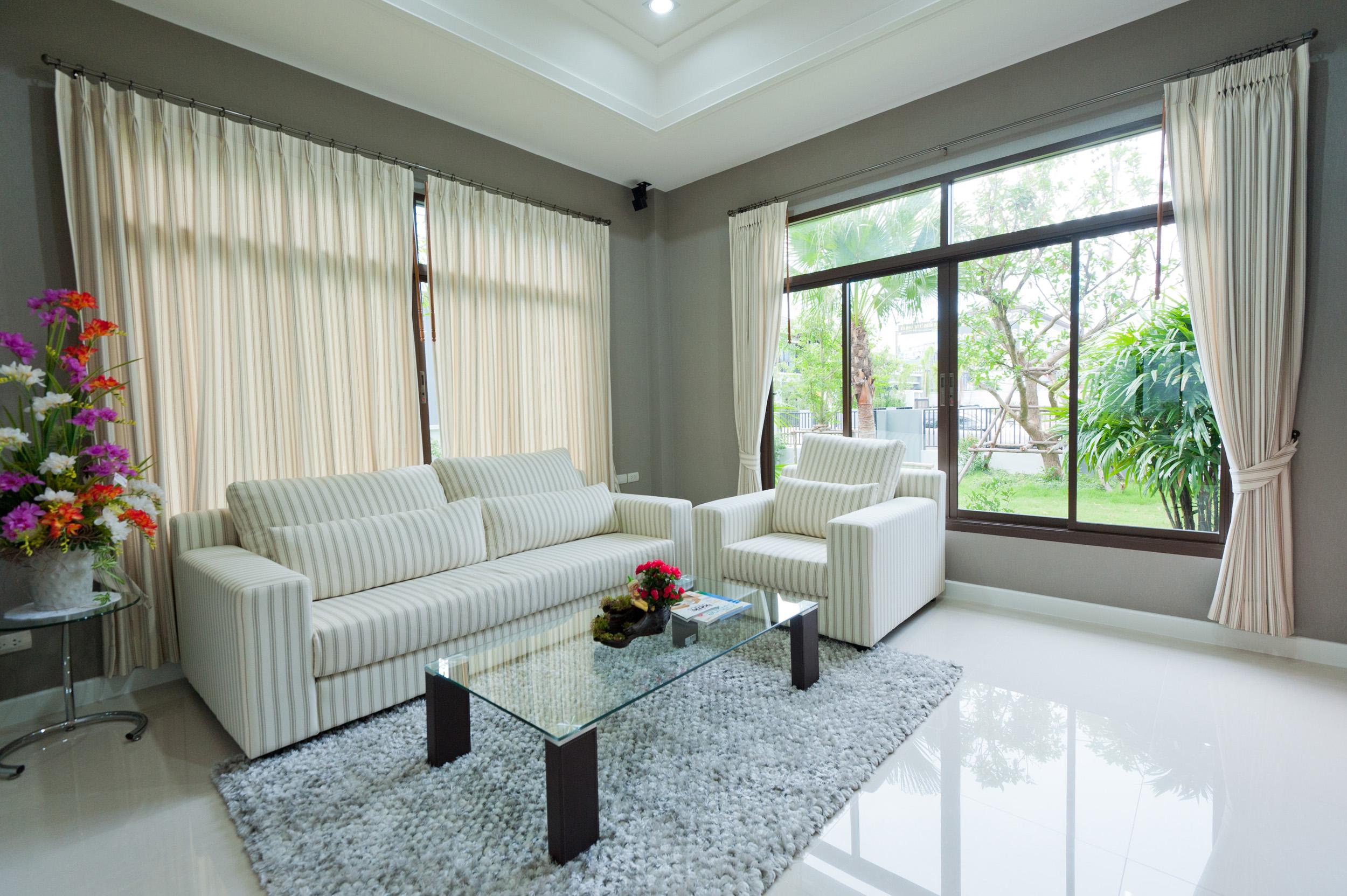 vorh nge oder gardinen. Black Bedroom Furniture Sets. Home Design Ideas