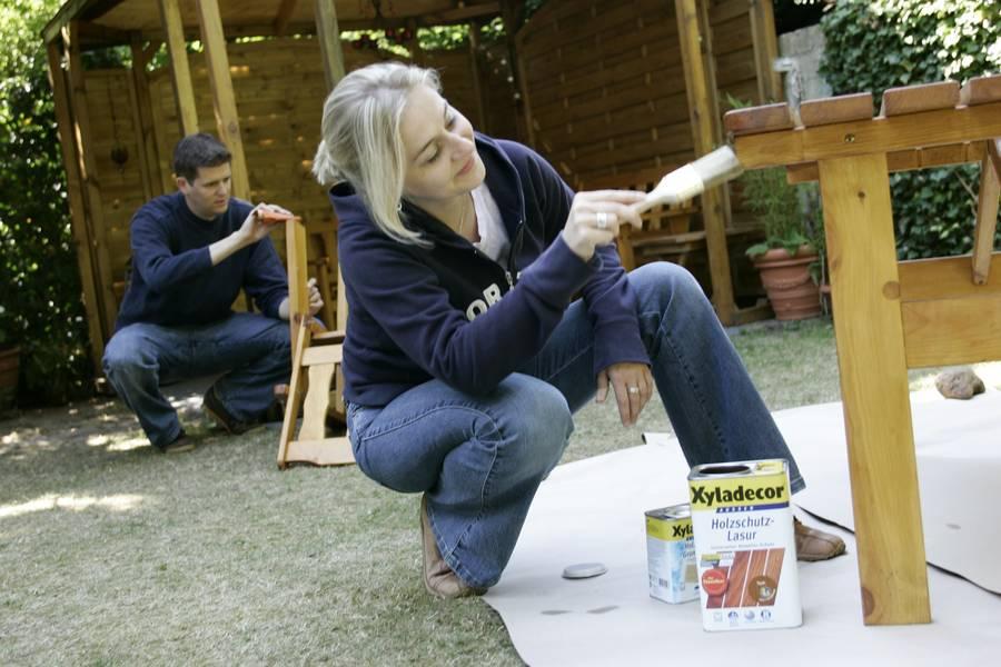 Gartenmobel Im Globus Baumarkt :  Aufmerksamkeit bedürfen dabei Möbel aus Holz Bild tdxOBI