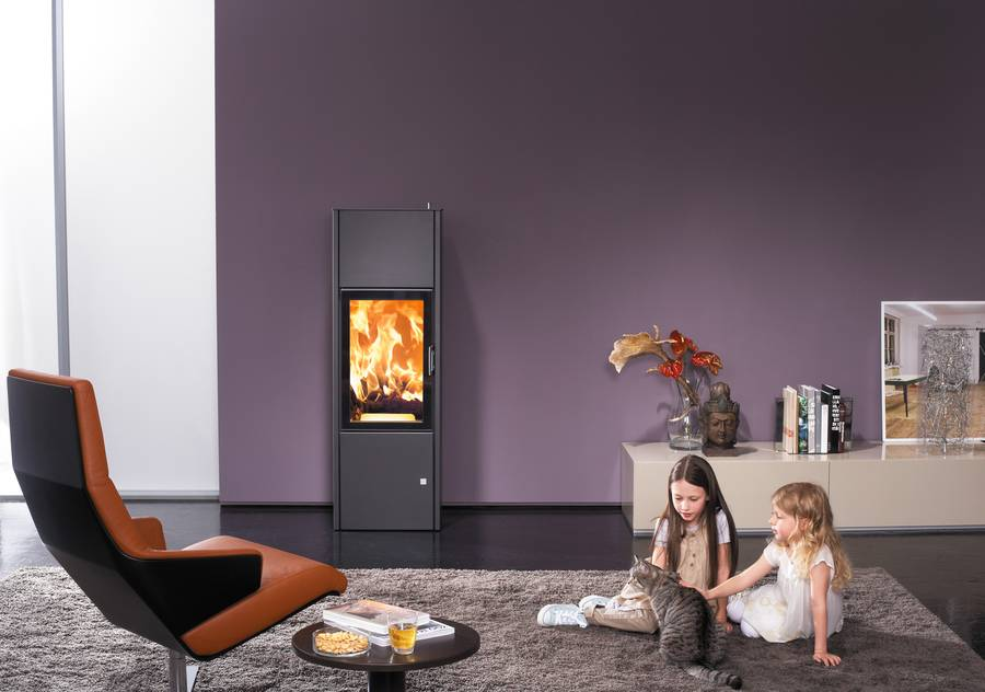 kaminofen mit 12 stunden speicher. Black Bedroom Furniture Sets. Home Design Ideas